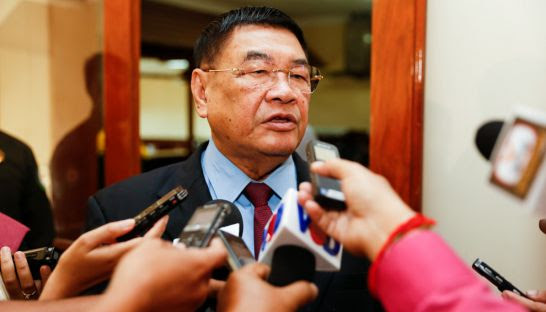 Finance and banking commission chairman Cheam Yeap.