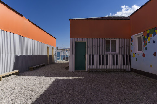 With the Jarahieh Refugee School, CatalyticAction Demonstrates the True Potential Of Temporary Structures | ArchDaily