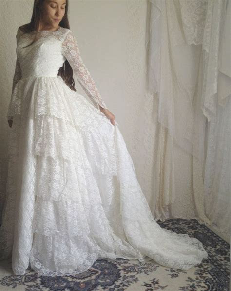 RESERVED 60s Lace Ruffle Wedding Dress // 50s Vintage