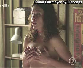Bruna Linzmeyer sensual na novela Sétimo Guardião