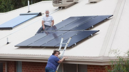 Solar panel households told smart meters not compulsory as bonus scheme ends