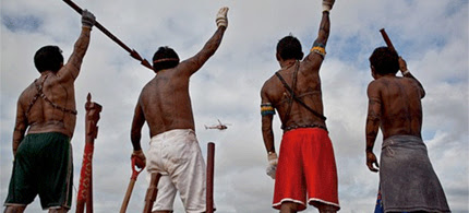 Three hundred indigenous people, small farmers, fisherfolk, and local residents occupied the Belo Monte Dam project. (photo: Atossa Soltani/Amazon Watch)