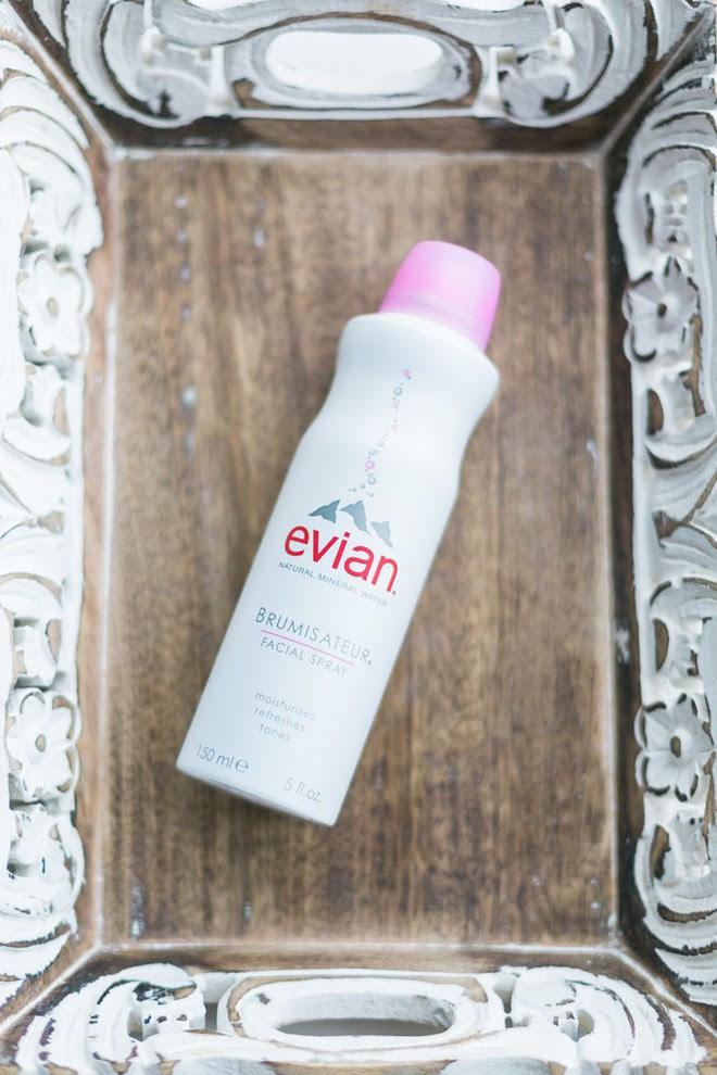 Để cấp ẩm tức thì trả lại vẻ ẩm mướt, mềm mịn cho da, bạn hãy tham khảo ngay 7 loại xịt khoáng ngon-bổ-rẻ này - Ảnh 4.