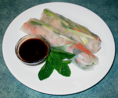 Shrimp Fresh Rolls with Peanut Sauce