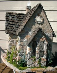 Mossy Stones Dollhouse Tracy Topps (minis on the edge) Tags: miniatures buttercup tracy kit topps minis dollhouse greenleaf dollhouses paperclay minisontheedgecom