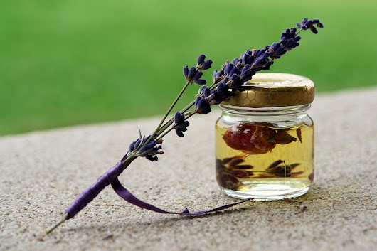 Aromatherapy Using Essential Oils – A Natural Approach to Better Health