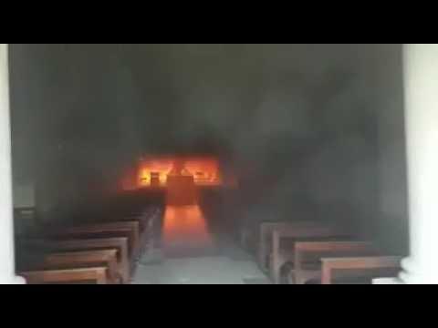 Se incendia la catedral de San Nicolás