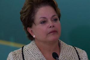 Dilma se emocionou ao falar sobre a saída de Luiz Sérgio do Ministério da Pesca (Foto: Dorivan Marinho / Agência Estado)
