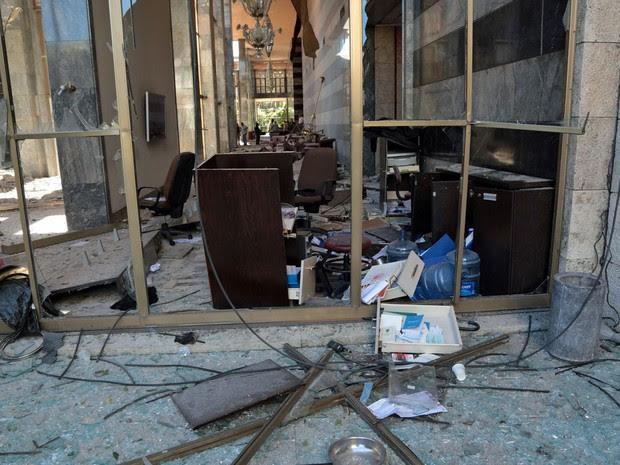 Bombardeio causou destruição no Parlamento da Turquia (Foto: Burhan Ozbilici/AP)