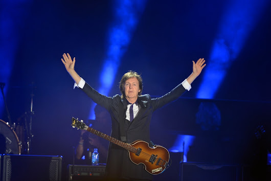 McCartney sends all his loving to D.C. audience, and they send it back
