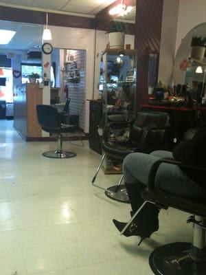 E&H Dominican Hair Salon - Hair Salons - Philadelphia, PA