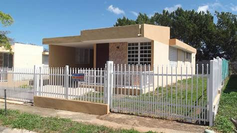 Home for Sale in Urb. Corales, HATILLO, Puerto Rico $81,900