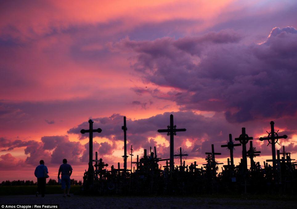 Таємнича Гора Хрестів