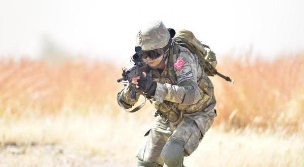 turkish_army_woman