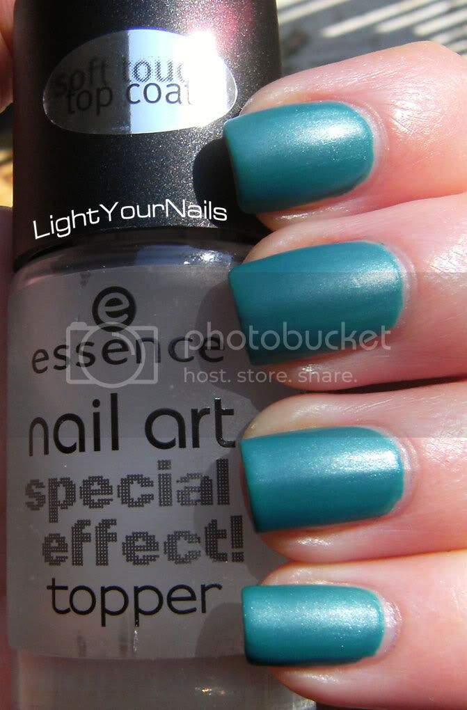 Essence Nail Art Special Effect Topper Soft Touch, Finger Paints Winter Sky