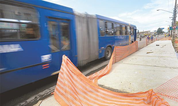 Obras das estações provisórias do BRT em Camaragibe Foto - Teresa Maia DP D.A.Press