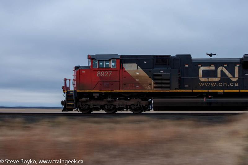 Pan shot of CN 8927 in Winnipeg