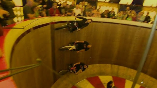 BBC News - Meet the Fox family: Riding Wall of Death for 40 years