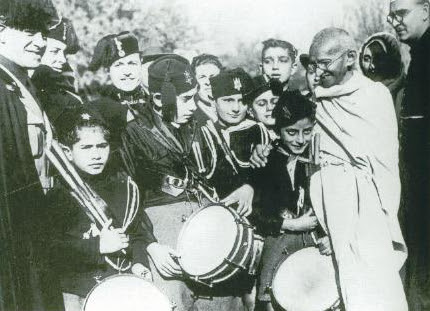 http://upload.wikimedia.org/wikipedia/commons/5/59/Gandhi_Rome.jpg