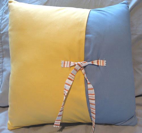 fish pillow back
