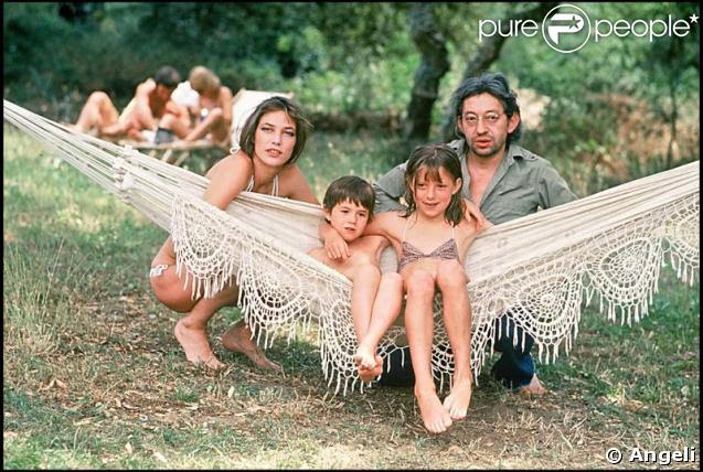 Jane Birkin, Serge Gainsbourg, Charlotte Gainsbourg et Kate Barry