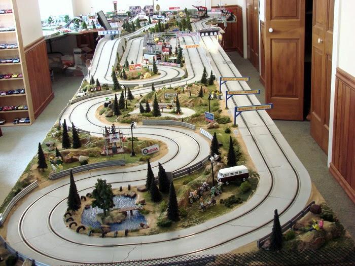 Samuel Information Ho Train And Slot Car Layout