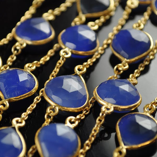 s34709 Gemstone Chain -  Framed Drops - Chalcedony / Gold (foot)