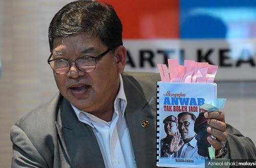 Buku politik: Anwar diugut RM400k