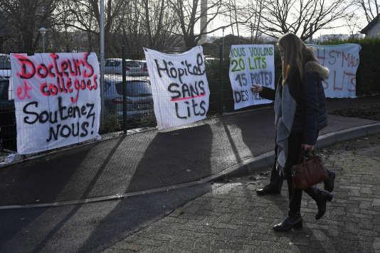 Mouvement de grève à l'hôpital psychiatrique Guillaume-Régnier de Rennes pour protester contre les conditions de travail, le 12 décembre 2017.