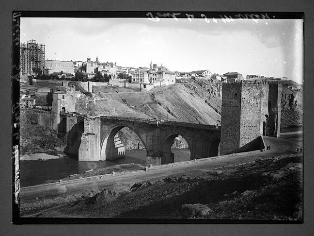 Puente de San Martín hacia 1910. Fotografía de Charles Chusseau-Flaviens. Copyright © George Eastman House, Rochester, NY