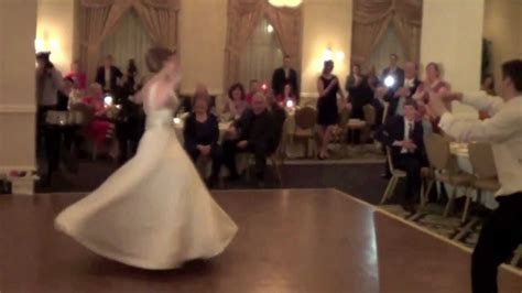 VERY BEST FIRST DANCE EVER!!!!!!!! Surprise Moves