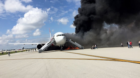 Over 20 Hurt When Plane Catches Fire at Fort Lauderdale Airport - ABC News