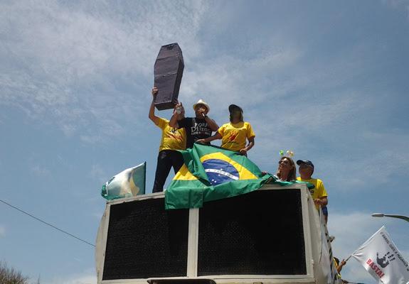 Ato contra Dilma em São Luís