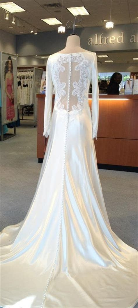Bella's wedding dress   Breaking Dawn 1   by Carolina
