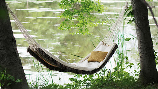 Sit back and relax! 5 DIY hammocks and swing chairs