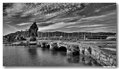 Old bridge em Viana do Castelo by VRfoto