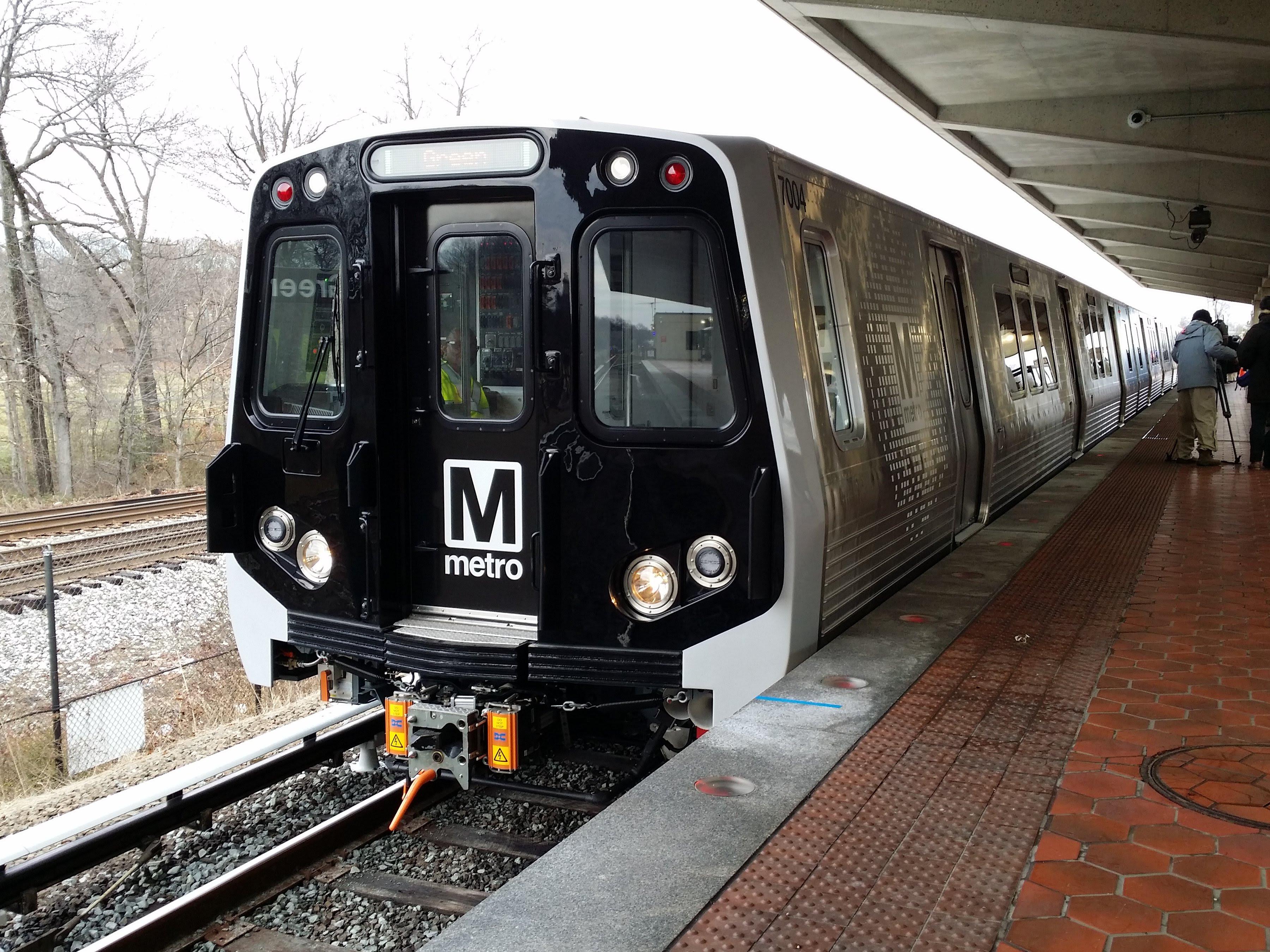 Metro 7000-Series railcar debut 3.jpg