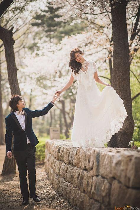 The 25  best Pre wedding photoshoot ideas on Pinterest