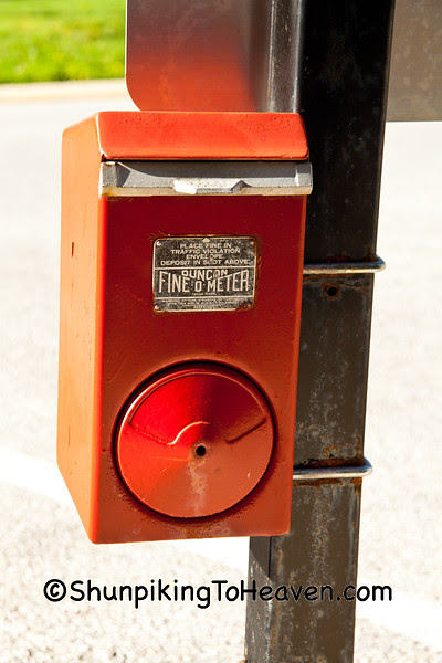 Duncan Fine-O-Meter Box, Lawrenceville, Illinois