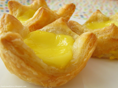 Egg tart with frozen puff pastry