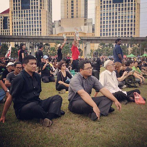 8835121705 5af01419f3 o Gambar dan Video Perhimpunan Blackout 505 di Petaling Jaya 25 Mei 2013
