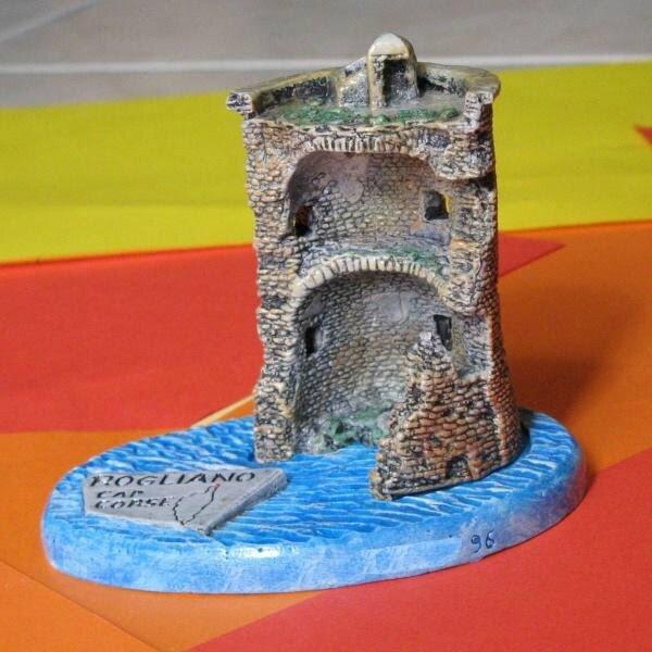 Monuments mini 03