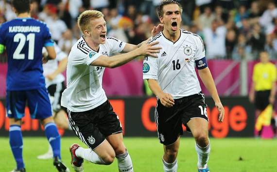Germany v Greece - UEFA EURO 2012 Quarter Final, Reus and Lahm