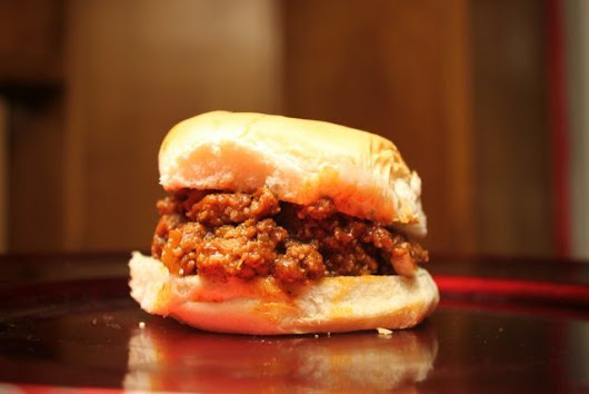 Simple Slow Cooker Sloppy Joes