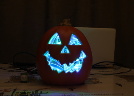 PenguinTutor - Raspberry Pi Motion Triggered Halloween Pumpkin Jack-O'-Lantern