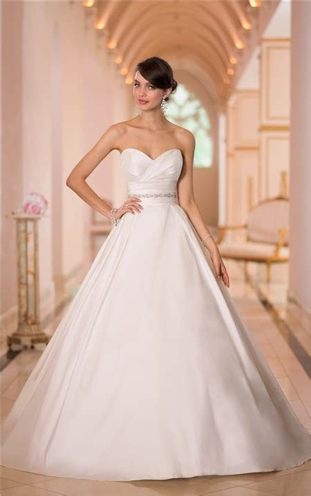 Simple Ball Gown Sweetheart Satin Ruched Wedding Dress