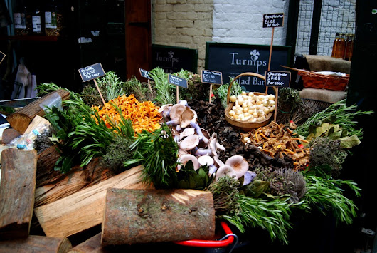 Do : Have lunch at Borough Market, London
