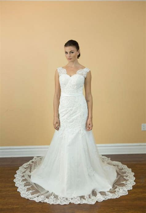 Princess Luxury Lace Crystals Pearls Wedding Dresses