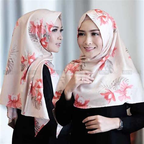 jilbab segitiga instan livy