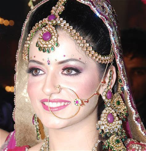 Bindi Designs: Simply Forehead Decoration? Not Quite.